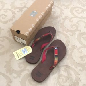 New with tags/In Box TOMS Sandals